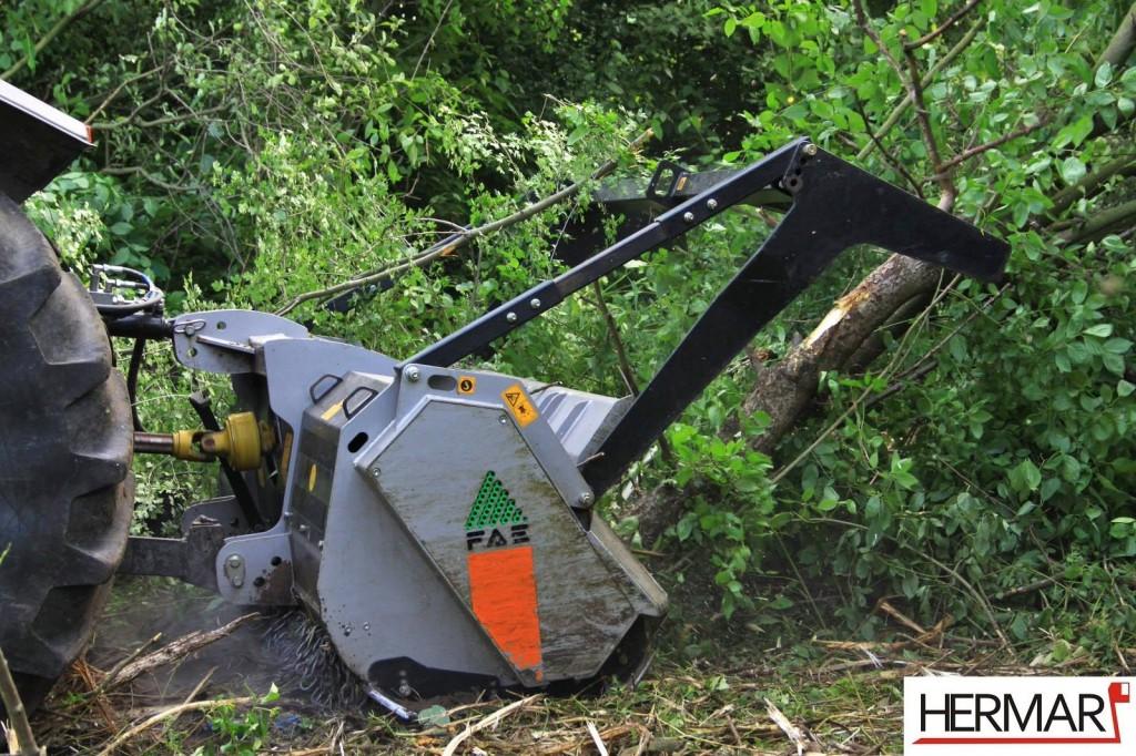 Mulczowanie terenu Gniezno_rozdrabnianie drzew_Hermar Gniezno_8